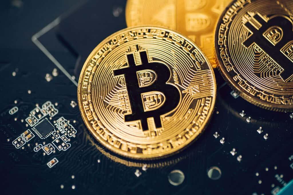 Bitcoin on top of circuit
